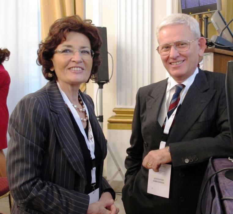 Prof. Enrica Morra,  Rete Ematologica Lombarda, relatore su invito del Prof. Abbadessa